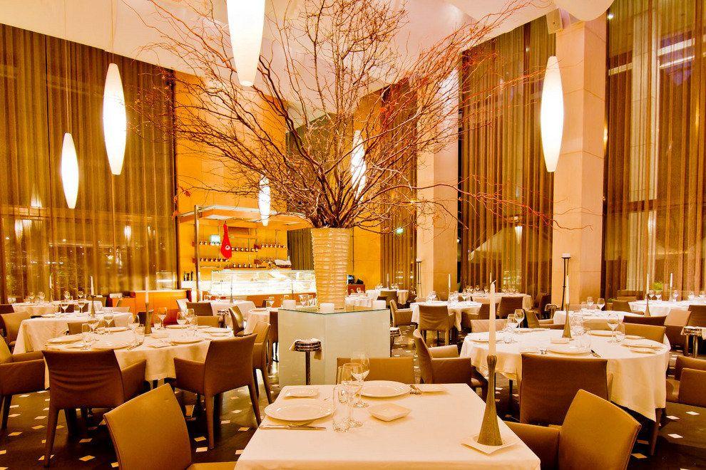 رستوران استیتوریو میلوس | Estiatorio Milos