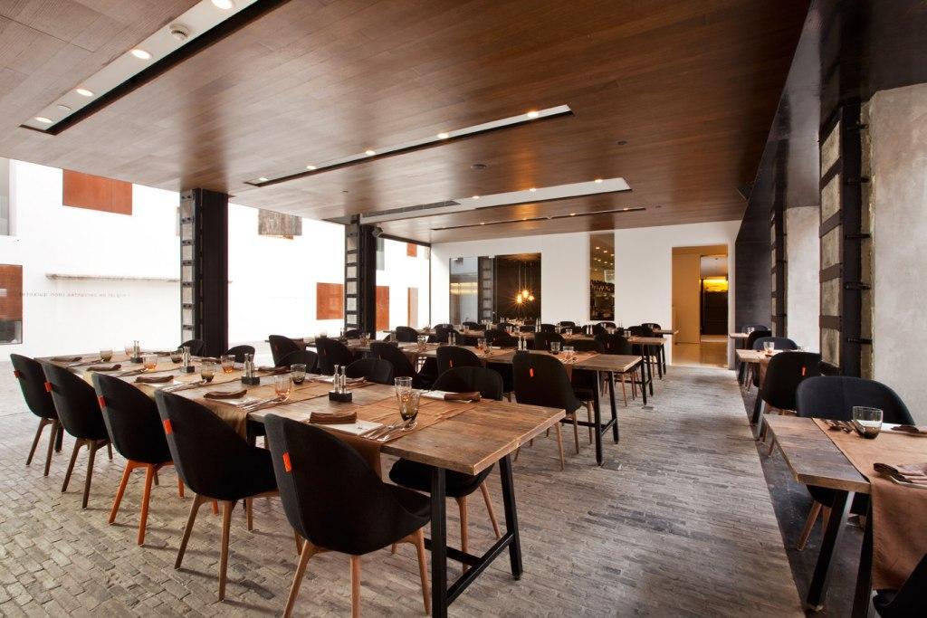 رستوران میز شماره 1 | Table No. 1
