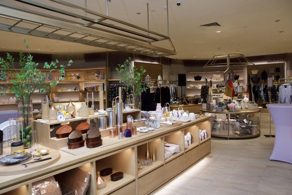مرکز خرید لات تن | LOT 10
