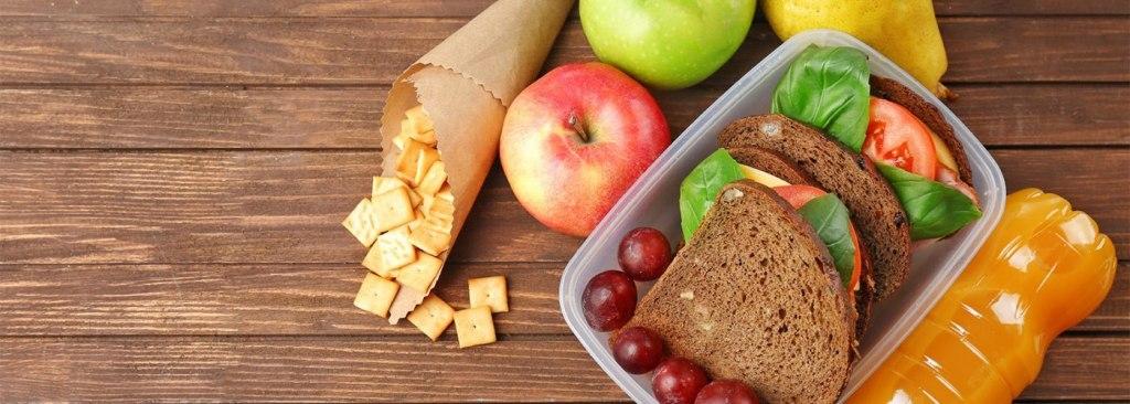 7- غذا یا تنقلات به همراه خود داشته باشید