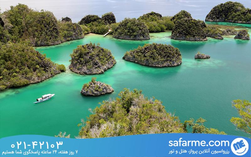 لذت قایق سواری در آب های جزیره راجا آمپات