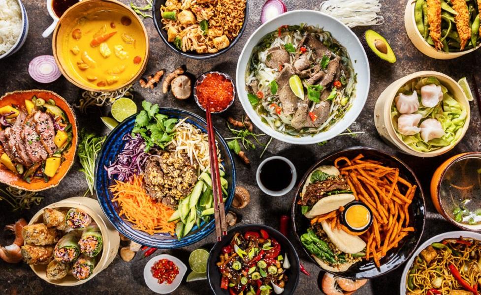 تجربه غذای محلی و جدید